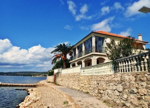 Ferienwohnungen Laura - Maslenica (Zadar) A1 (2+2) 74006-A1