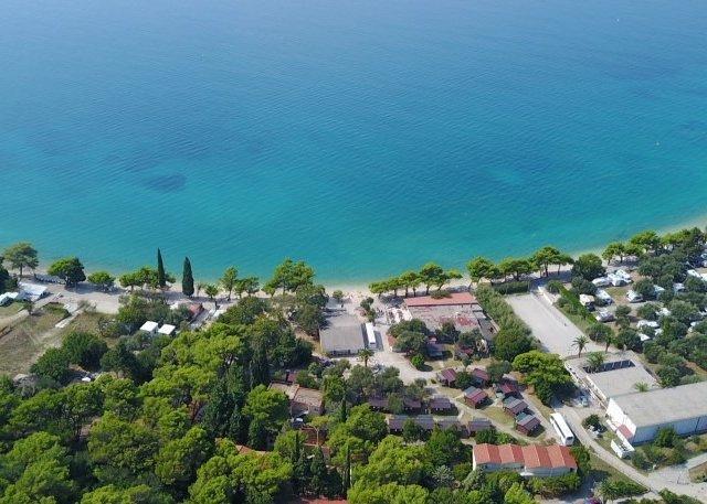 Resort Camp Dalmatien Zaostrog Bungalows 2+2 GÜNSTIGSTE PREISGARANTIE