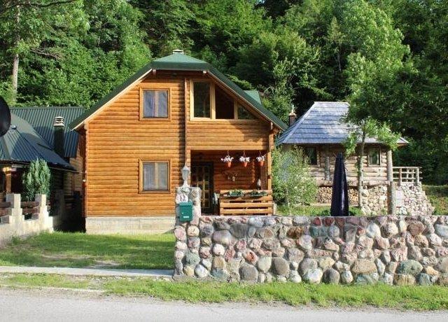 Lodge house Tara