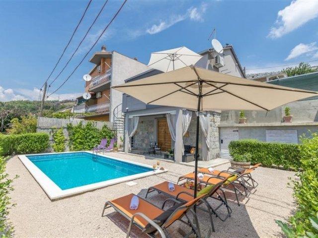 Kuća za odmor Lisica  Srinjine - Zrnovnica (Split) (4+2) V3861-K1