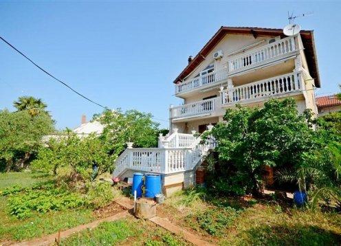 Appartamento Branislava - Rogoznica (6+2) 26201-A1